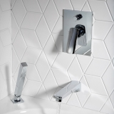5-roperrhodes-tapsshowers-sync-mixer-valve-with-diverter-lifestyle