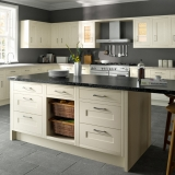 13-chippendale-kitchens-traditional-in-frame-ivory