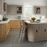 2-chippendale-kitchens-traditional-country-lissa-oak-painted-hickory